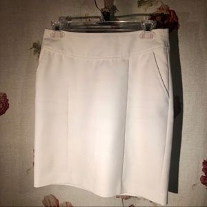 Banana Republic (size 0) White Pencil Skirt